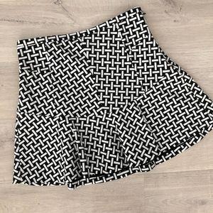 Diane Von Furstenberg Black & White Skirt Sz10